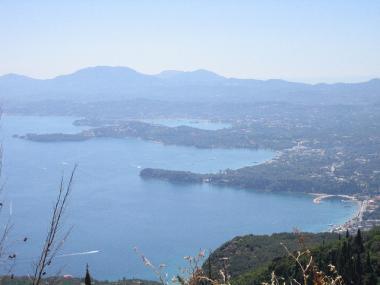 Ostrov Korfu a pobřeží u Ipsosu